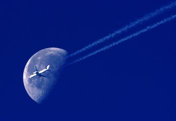 Boeing 767 nel cielo di Monaco il 27 luglio 2003 | Credits: Vasco Garcia / Ansa